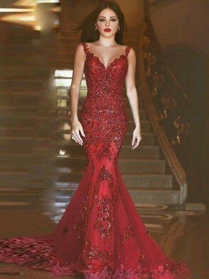 Trumpet V-neck Sweep/Brush Train Applique Tulle Prom Gown