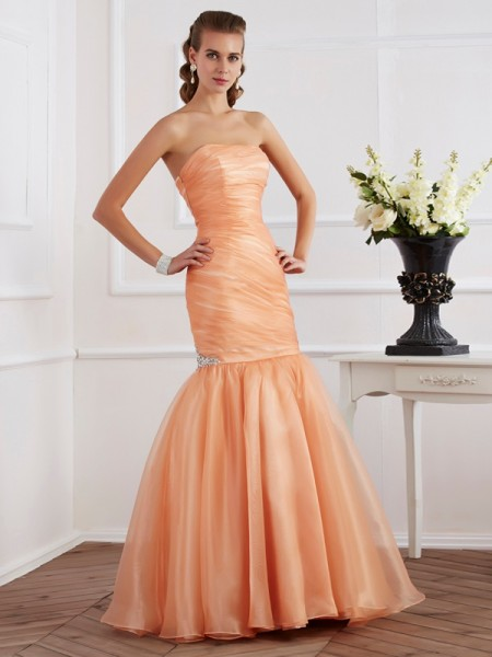 Trumpet/Mermaid Strapless Beading Long Tulle Dress