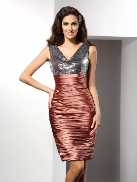 Sheath/Column V-neck Short Silk like Satin Cocktail Dress