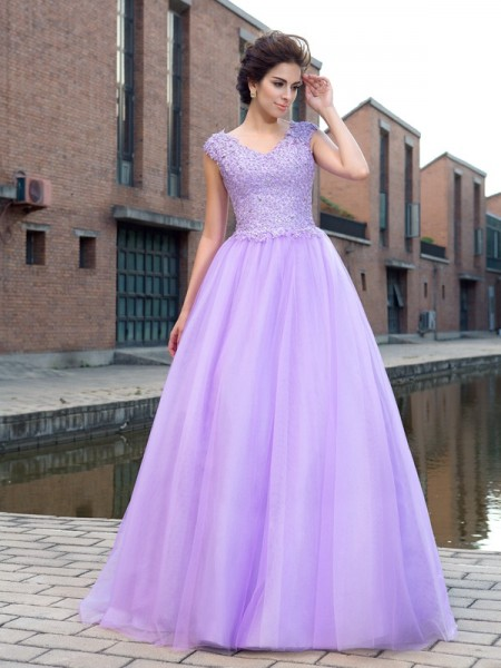 Ball Gown V-neck Applique Short Sleeves Long Net Dress