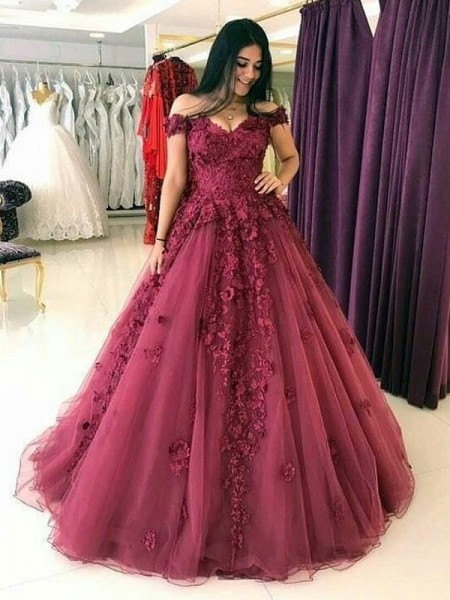 Ball Gown Sleeveless Sweep/Brush Train Off-the-Shoulder Applique Tulle Dresses