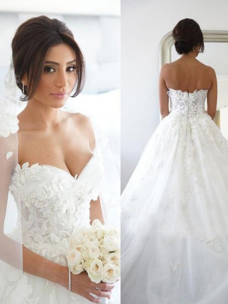 Ball Gown Tulle Applique Sleeveless Sweep/Brush Train Wedding Gowns