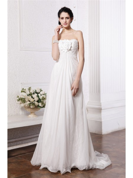 A-Line/Princess Strapless Chiffon Wedding Dress