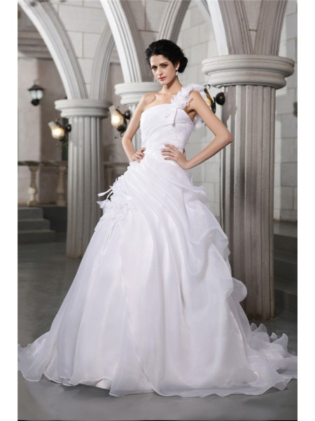 Ball Gown One-Shoulder Pleats Long Organza Wedding Dress