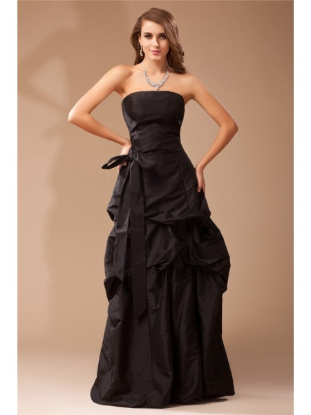 A-Line/Princess Strapless Ruffles Long Taffeta Dress