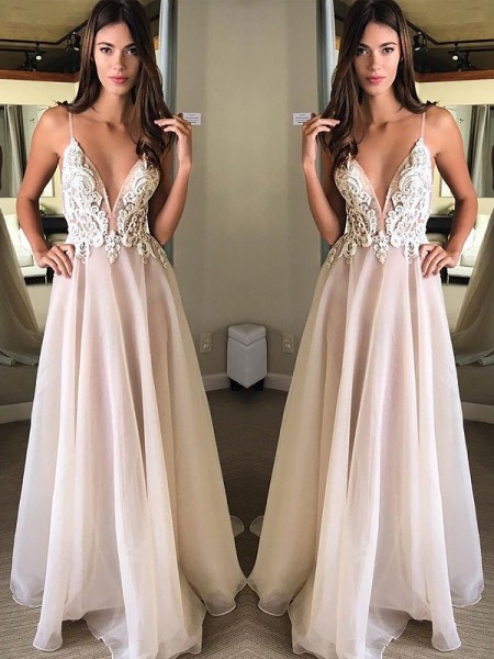 A-Line/Princess Spaghetti Straps Sleeveless Sweep/Brush Train Applique Chiffon Dresses
