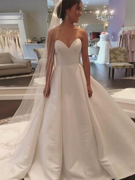 Ball Gown Sleeveless Train Sweetheart Court Satin Wedding Dresses