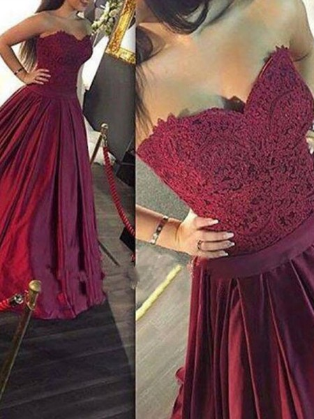 A-Line/Princess Sweetheart Lace Satin Floor-Length Dress