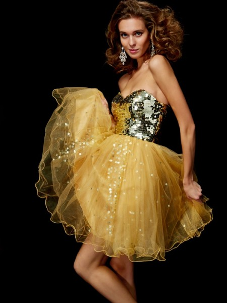 A-Line/Princess Sweetheart Paillette Short Tulle Homecoming Dress