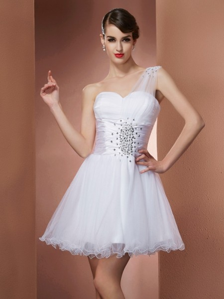 A-Line/Princess One-Shoulder Beading Short Net Homecoming Dress