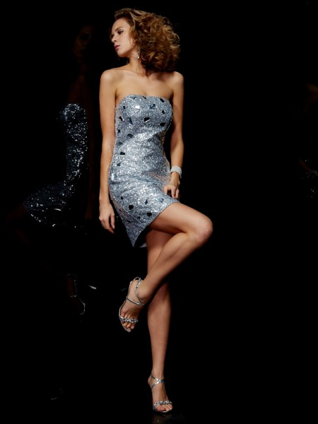 Sheath/Column Strapless Lace Short Lace Homecoming Dress
