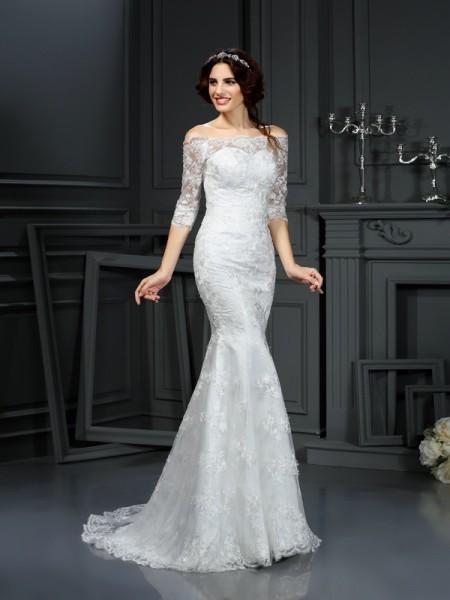 Sheath/Column Lace 1/2 Sleeves Long Lace Wedding Dress