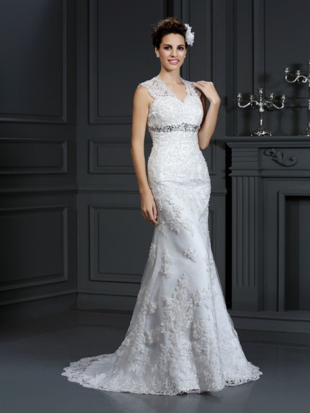 Sheath/Column V-neck Beading Long Lace Wedding Dress