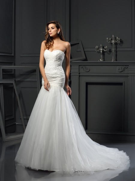 Trumpet/Mermaid Sweetheart Applique Long Tulle Wedding Dress