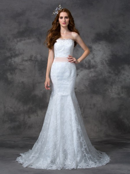 Trumpet/Mermaid Strapless Sash/Ribbon/Belt Lace Wedding Dress