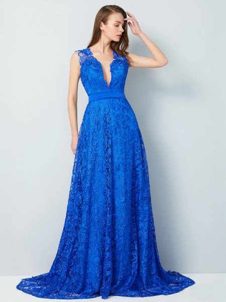 A-Line/Princess V-neck Sweep/Brush Train Lace Dress