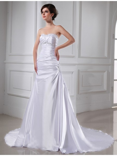 A-Line/Princess Applique Elastic Woven Satin Wedding Dress
