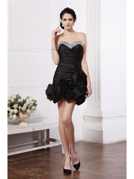 Sheath/Column Sweetheart Pleats Taffeta Cocktail Dress
